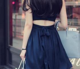 Backless Sleeveless ..