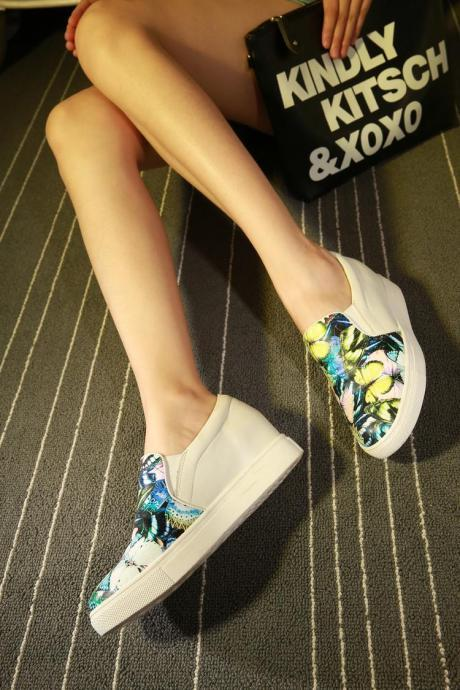 Women's Assorted Color Flat Heel Inside Heighten Flower Sneakers