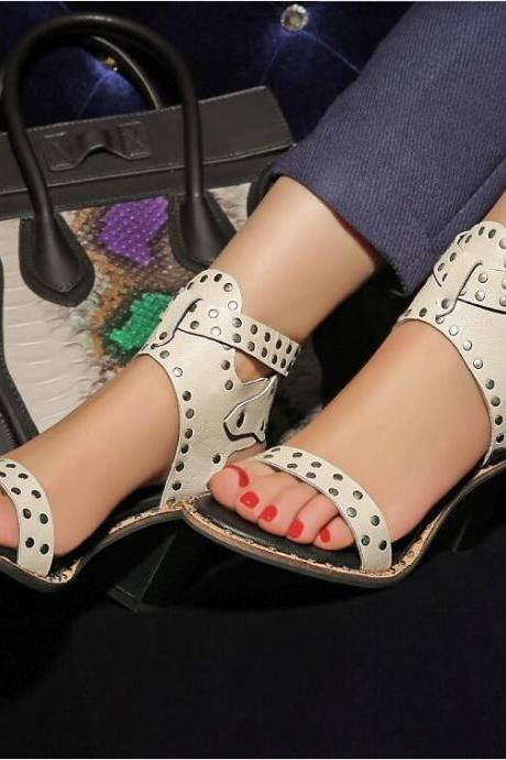 Women's Pure Color Fashion Leasure Thick-heeled Pumps With Rivet Decoration